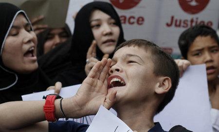تظاهرات شیعیان در اعتراض به بمب گذاری های روز 5شنبه کویته،کراچی پاکستان