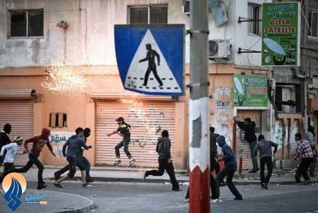 درگیری نیروهای امنیتی با مسلمانان بحرینی در مراسم تشییع پیکر شهید ˈحبیب ابراهیم عبد الله ˈ