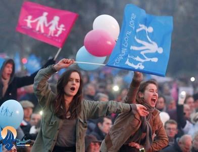 تظاهرات علیه قانون آزادی ازدواج همجنس گرایان که توسط رئیس جمهوری فرانسهبه تصویب رسیده.