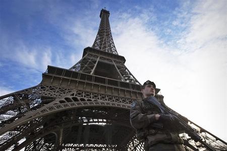 تدابیر شدید امنیتی دولت فرانسه از ترس عکس العمل اتباع کشور مالی