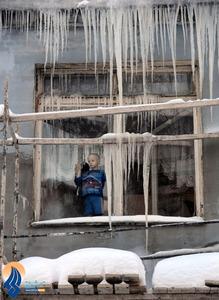 خانه نشینی کودک بلاروسی در سرمای شدید شهر مینسک