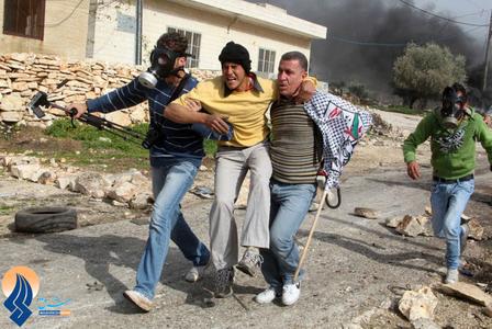 درگیری جوانان فلسطینی با سربازان صهیونیستی بدلیل ساخت و سازهای مجدد اشغالگران در اراضی فلسطینی