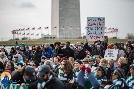 تظاهرات مردم علیه خشونت های مسلحانه در آمریکا مقابل کاخ سفید _ واشنگتن