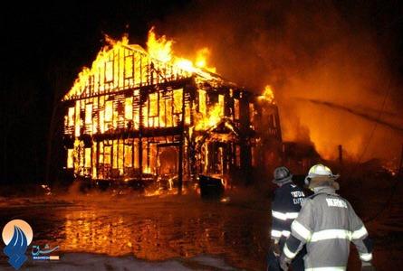 آتش سوزی یک فروشگاه مواد محترقه و آتش بازی در پاریس ـ فرانسه