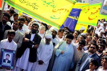 راهپیمایی یوم الله 22 بهمن با حضور گسترده مردم شیعه و سنی در شهرستان چابهار استان سیستان و بلوچستان برگزار شد.