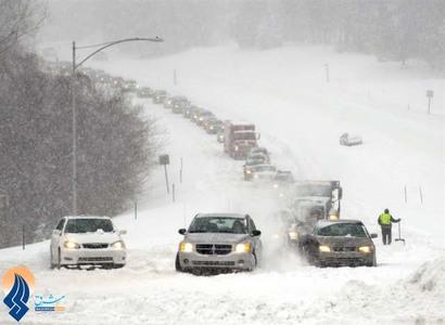 بارش شدید برف و مختل شدن وضعیت عبور و مرور در ایالات مختلف آمریکا