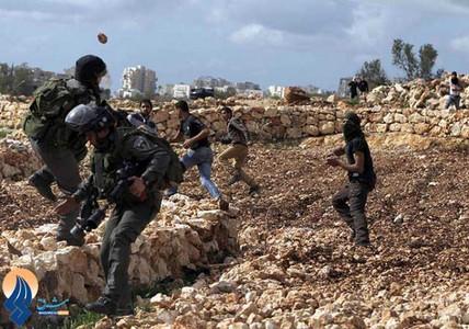 درگیری جوانان فلسطینی با سربازان مرزی صهیونیست _ رام الله