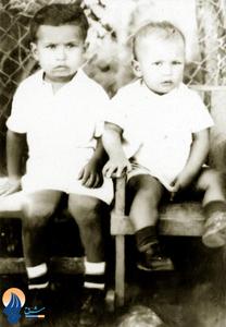 چاوز و برادرش در دوران کودکی