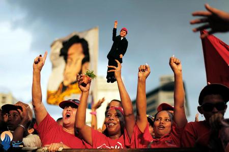 طرفداران چاوز در جریان انتخابات