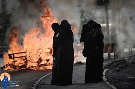 تظاهرات زنان بحرینی که خواستار آزادی زندانیان سیاسی و مخالف حکومت آلخلیفه هستند.