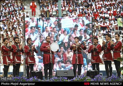 تصاویری از جشن صدهزار نفری دولت، با حضور احمدی نژاد، بدون مشایی  ( دنیای اقتصاد - خسرو یعقوبی )