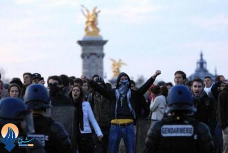 تظاهرات جوانان فرانسوی علیه تصویب قانون ازدواج همجنسگرایان _ پاریس