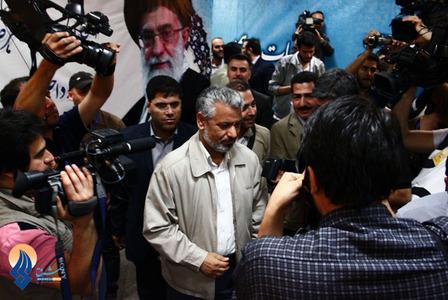 حضور علی آبادی در محل ثبت نام نامزدهای انتخابات ریاست جمهوری در وزارت کشور