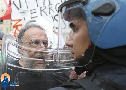 تجمع در مقابل دادگاه رسیدگی به تخلفات مالی  برلوسکنی در شهر رم