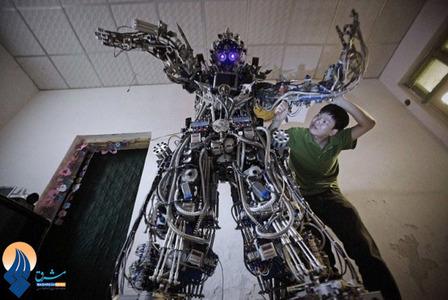 ساخت یک ربات خانگی با ضایعات فلزی و سیم برقهای دست دوم  توسط مخترع جوان چینی