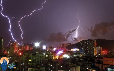 صاعقه بر فراز شهر ژوهای _چین
