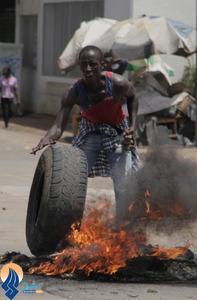 آغاز جنگهای خیابانی میان مخالفان و حامیان حزب حاکم توگو