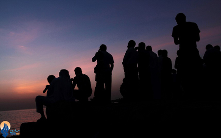 استهلال ماه رمضان در بحرین در سواحل خلیج فارس