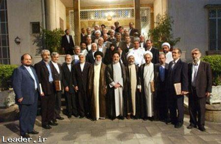 عکس یادگاری دولت سید محمد خاتمی با رهبر انقلاب