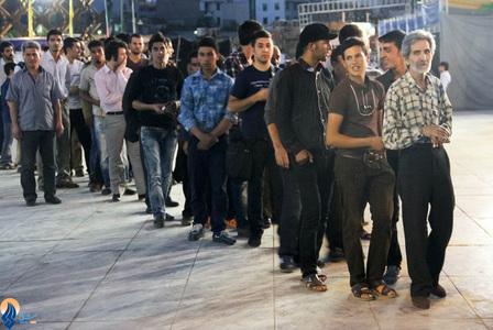 تصاویر/افطار صلواتی در میدان امام حسین(ع) 
