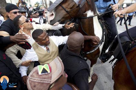 برخورد پلیس هوستون با تظاهرکنندگان سیاه پوست _ آمریکا