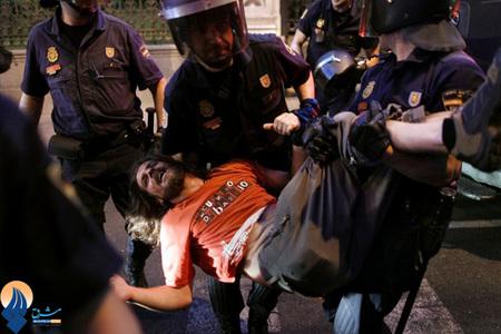 ادامه اعتراضات جوانان مادریدی نسبت به سیاست های اقتصادی دولت اسپانیا