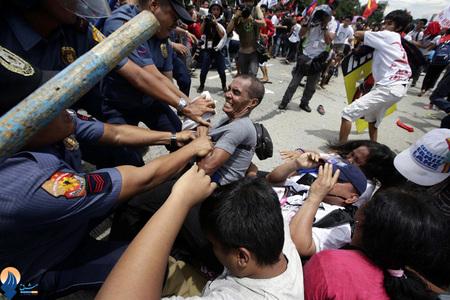 تظاهرات مردم فیلیپین نسبت به دخالتهای آمریکا در امور این کشور