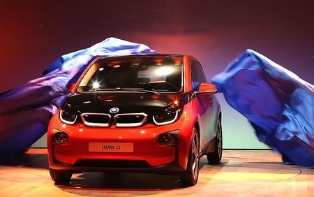 رونمایی کمپانی BMW از خودروی جدید الکتریکی خود در لندن