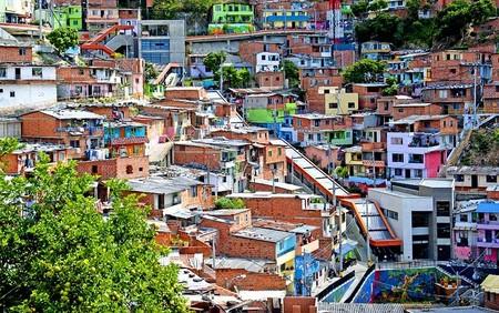 ساخت پله برقی برای ساکنان محله فقیرنشین مدلین در کلمبیا