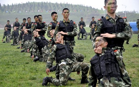 آموزش های ویژه نیروهای پلیس در چین