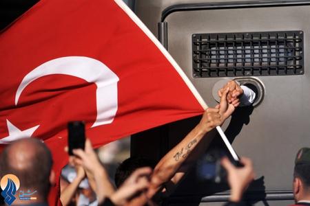 دستگیری تظاهرکنندگان توسط پلیس ترکیه