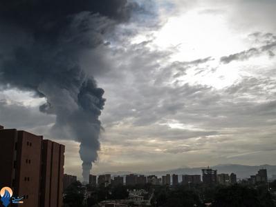 انفجار پالایشگاه نفت پورتولاکروز به علت اصابت صاعقه شدید _ ونزوئلا