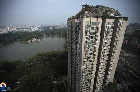 تبدیل سقف یک آپارتمان مسکونی به یک صخره سنگی توسط یکی از ساکنان _ پکن