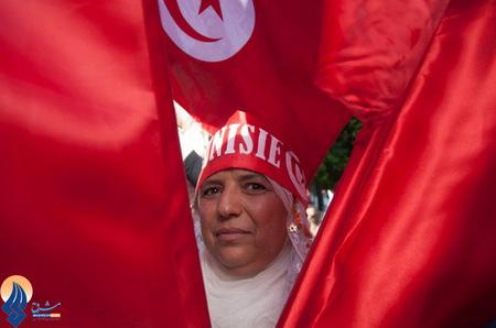 راهپیمایی زنان تونسی در روز ملی زنان