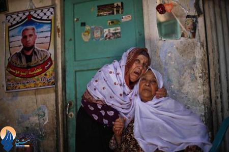 مادر یکی از اسرایی که خبر آزادی فرزندش را بعد 20 سال از زندانهای رژیم اشغالگر شنیده _ نوار غزه