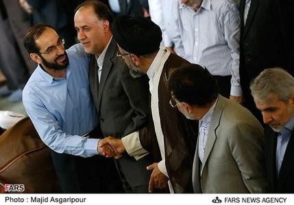 حضور حاجی بابایی در نماز جمعه تهران