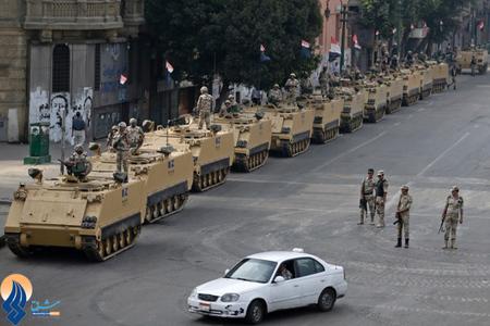 استقرار ارتش مصر در خیابانهای قاهره
