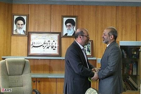 حضور سردار دهقان در محل وزارت دفاع و دیدار با سردار وحیدی وزیر سابق