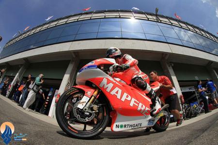 موتورسوار اسپانیایی در دور تمرینی مسابقات جایزه بزرگ جمهوری چک
