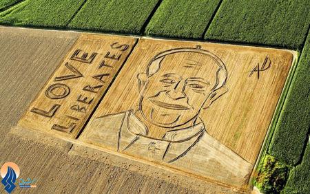 تصویر پاپ فرانسیس بر روی یکی از مزارع شهر ورونا _ ایتالیا
