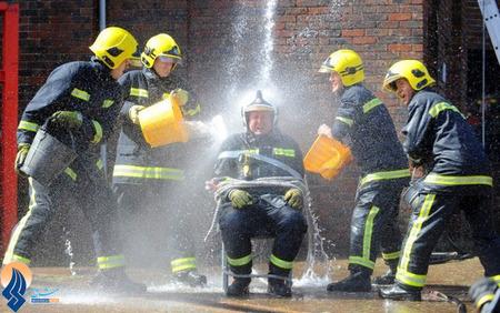 جشن بازنشستگی آتش نشان انگلیسی در شهر پورتس موث