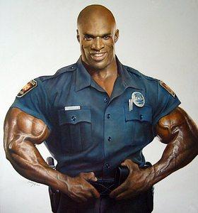 کلمن در لباس پلیسی که مربوط به اواخر دوران خدمتش است