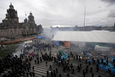 تظاهرات معلمان مکزیکی در اعتراض به سیاسیتهای ضعیف دولت در آموزش و پروش