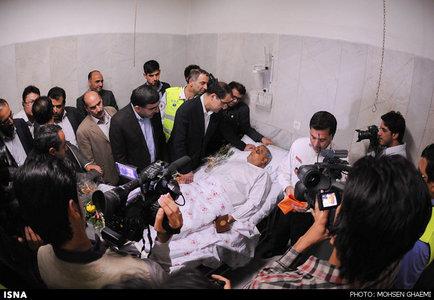 عیادت وزیر بهداشت از مصدومان حادثه قم - تهران