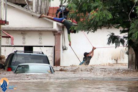 بارش شدید باران و جاری شدن سیل در بیشتر شهرهای مکزیک