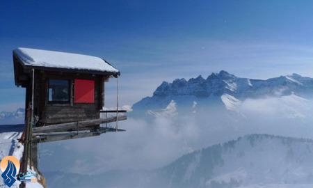 کلبهای برای پرش سقوط آزاد در رشته کوههای آلپ _ سوئیس