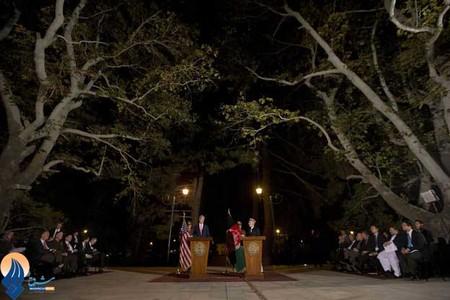 سفر جان کری به افغانستان و دیدار با حامد کرزای