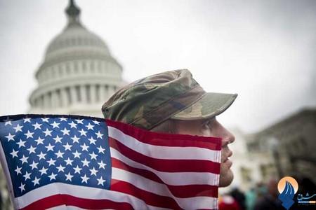 تظاهرات سربازان آمریکایی مقابل کاخ سفید نسبت به تعطیلی بخشهایی از دولت