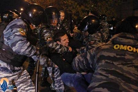 خشونت پلیس روسیه علیه معترضان به کشته شدن یک کارگر مهاجر