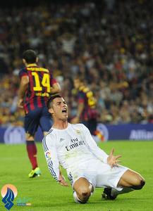 خشم کریس رونالدو در صحنه ای از الکلاسیکو که بازیکنان رئال اعتقاد داشتند یک ضربه پنالتی باید به سود آنها اعلام میشد